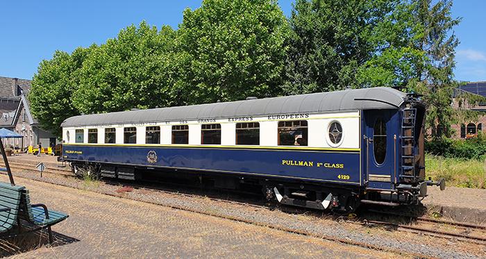 Restauratierijtuig Pullman naar het Spoorwegmuseum